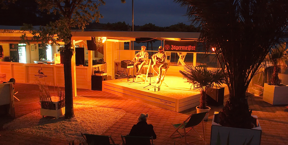 2013_06_01_Barracuda_Beach_Bar_buehne